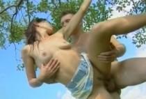 2140 1 210x142 - Femme baisée en levrette par deux mecs