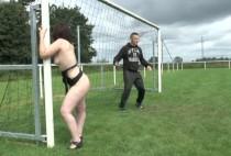 1198 1 210x142 - Une groupie se fait baiser sur un terrain de foot en Bretagne