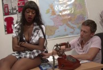 1504 1 210x142 - Une étudiante black sodomisée sur le bureau du principal