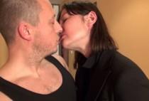 2854 1 210x142 - Une patronne acariâtre baise son employé dans les couloirs
