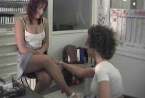 374 1 210x142 - Femme secrétaire baise avec le patron