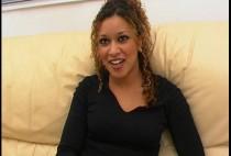 390 1 210x142 - Alicia,  une métisse qui vient chercher du sexe