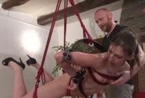 5511 1 210x142 - Amel découvre le bondage et la soumission hard