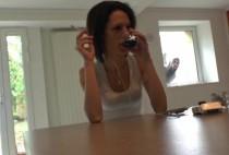 5628 1 210x142 - Jessica, sublime brunette prend son pied