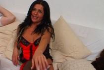 746 1 210x142 - Une latine en public se fait sodomiser