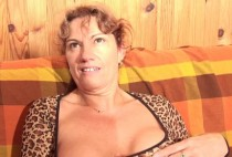 887 1 210x142 - La panthère est affamée de sexe